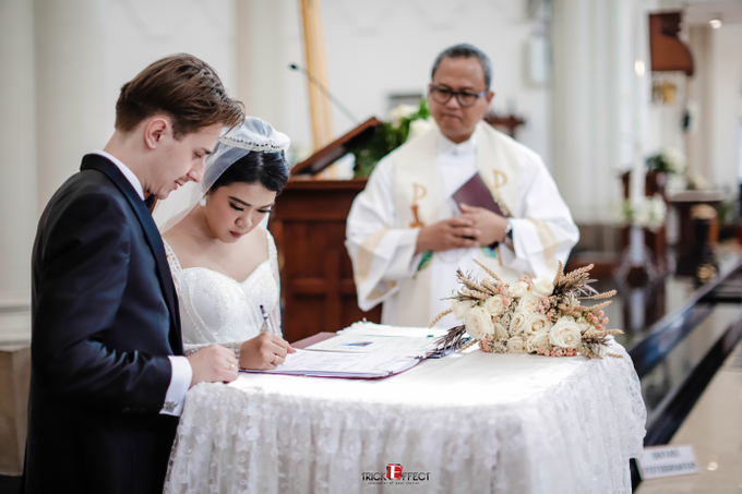 The Wedding of Alvita & Peter by Trickeffect - 018