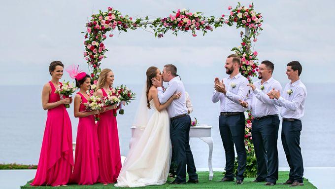 Tristan & Svetlana Wedding by The Surga Villa Estate - 003