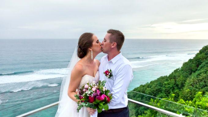 Tristan & Svetlana Wedding by The Surga Villa Estate - 005