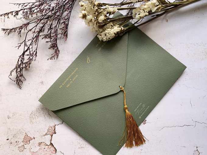 Tassel Embellishments  by Trouvaille Invitation - 002