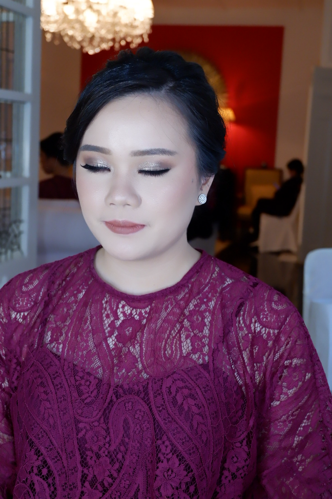 Bridesmaid makeup 2 by Troy Makeup Artist - 032