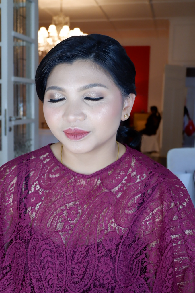 Bridesmaid makeup 2 by Troy Makeup Artist - 037