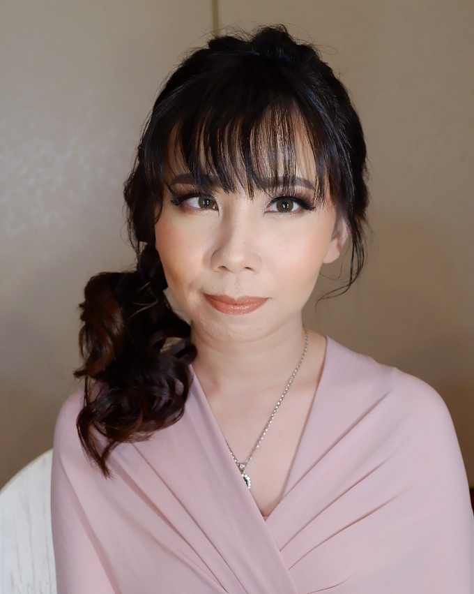 Bridesmaid makeup 2 by Troy Makeup Artist - 047
