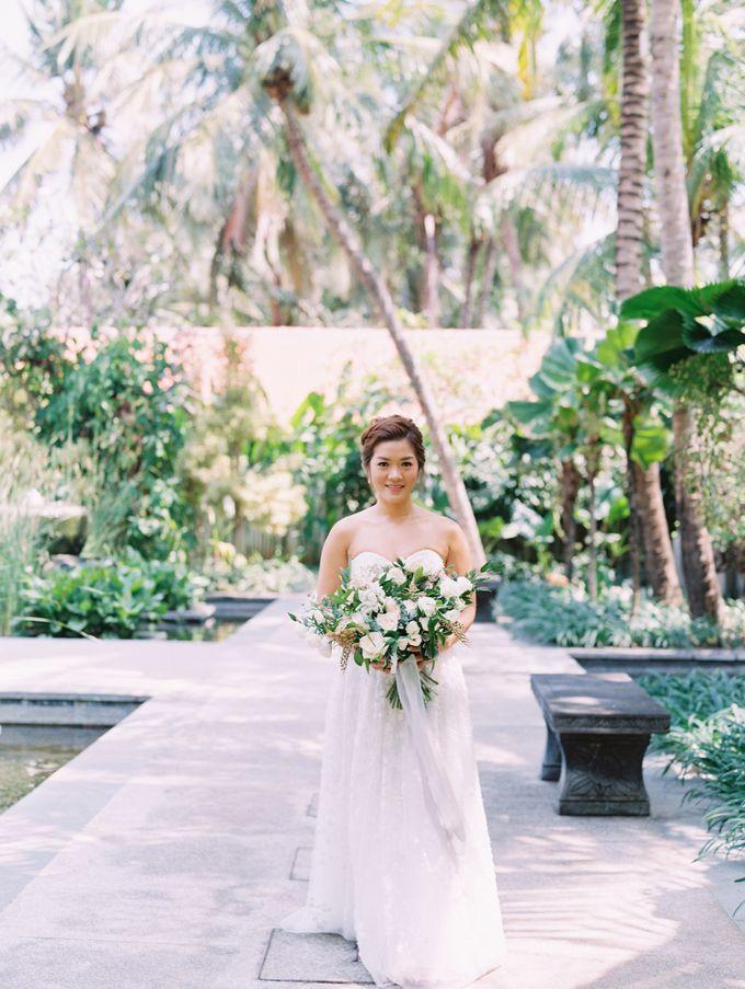 Simple, elegant Bali villa wedding by TRYNH Photo - 024