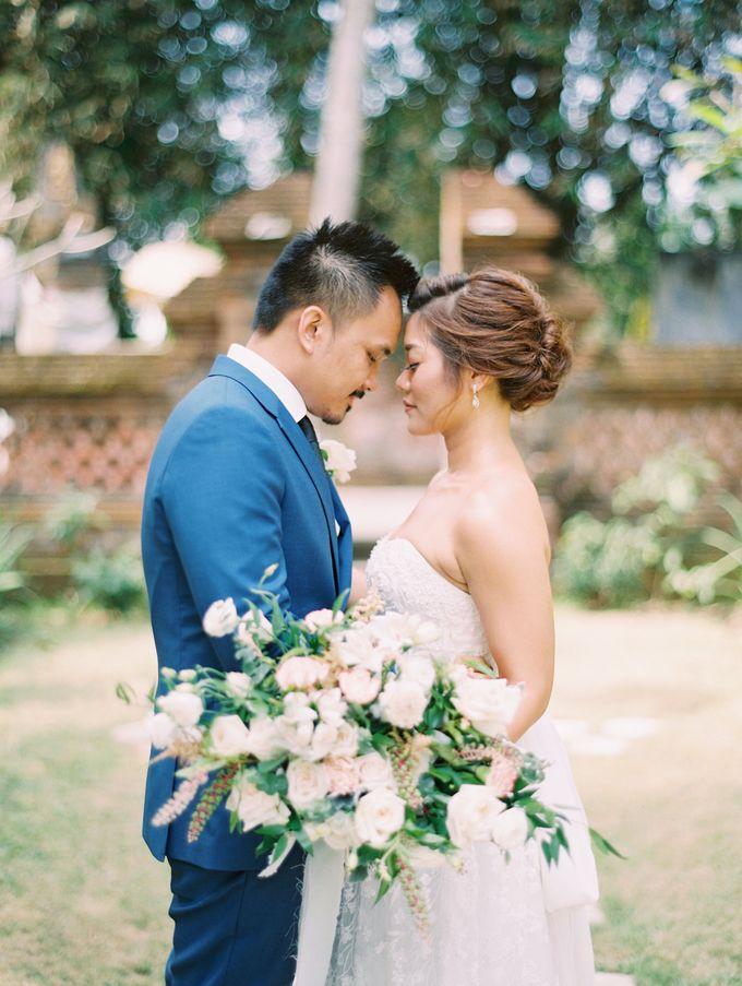 Simple, elegant Bali villa wedding by TRYNH Photo - 028