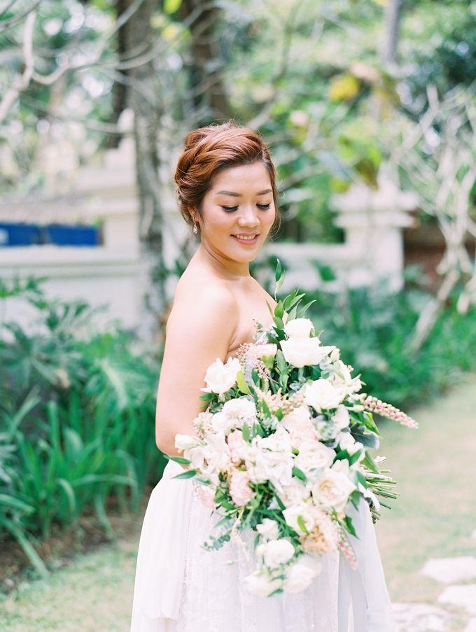 Simple, elegant Bali villa wedding by TRYNH Photo - 030