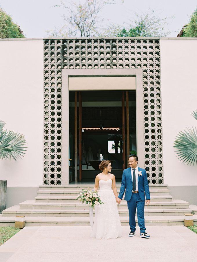 Simple, elegant Bali villa wedding by TRYNH Photo - 034