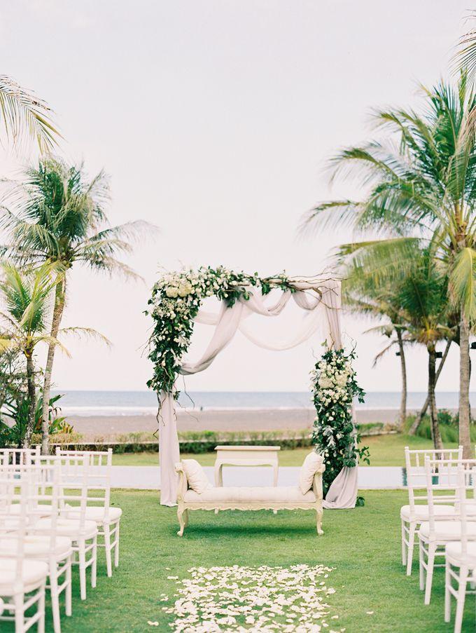 Simple, elegant Bali villa wedding by TRYNH Photo - 036