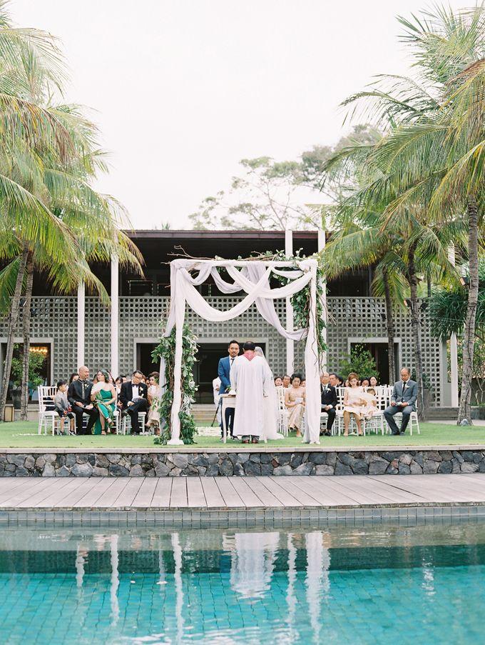 Simple, elegant Bali villa wedding by TRYNH Photo - 040