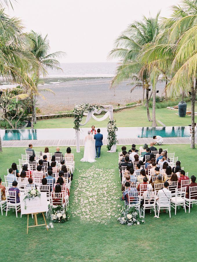 Simple, elegant Bali villa wedding by TRYNH Photo - 041