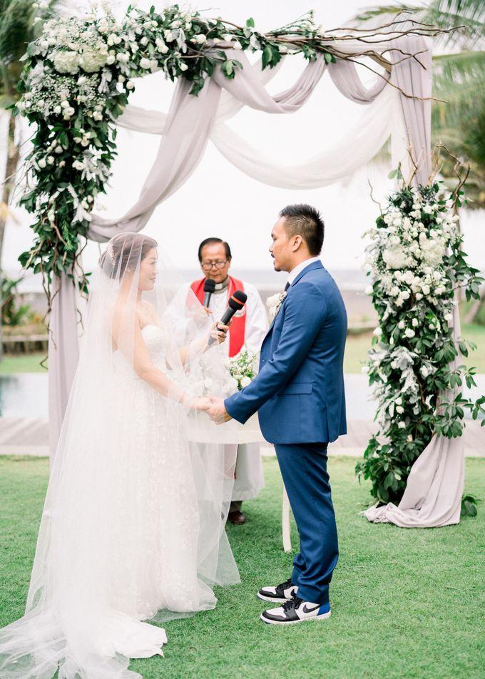 Simple, elegant Bali villa wedding by TRYNH Photo - 042