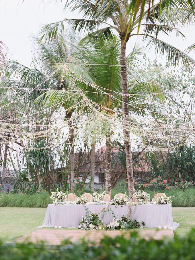Simple, elegant Bali villa wedding by TRYNH Photo - 048