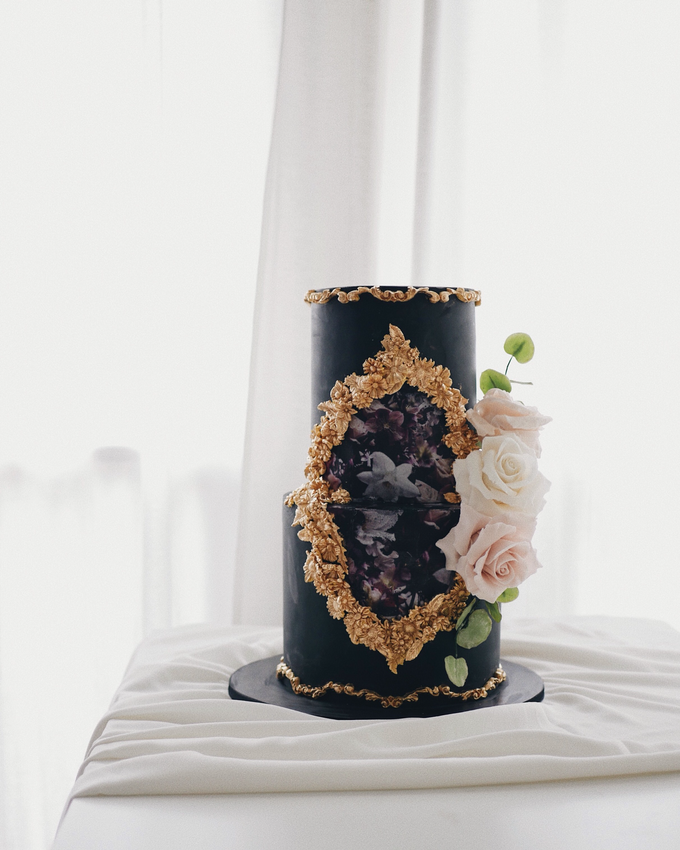 The engagement of Andrew and Ribka by Twenty Two Cakes - 002