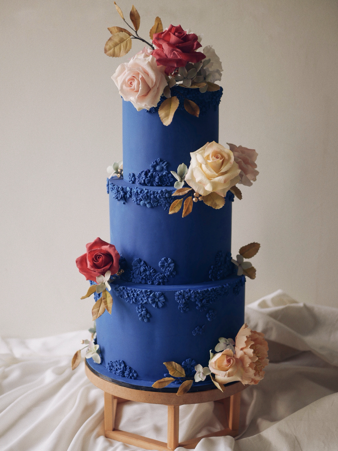 A royal blue affair by Twenty Two Cakes - 002