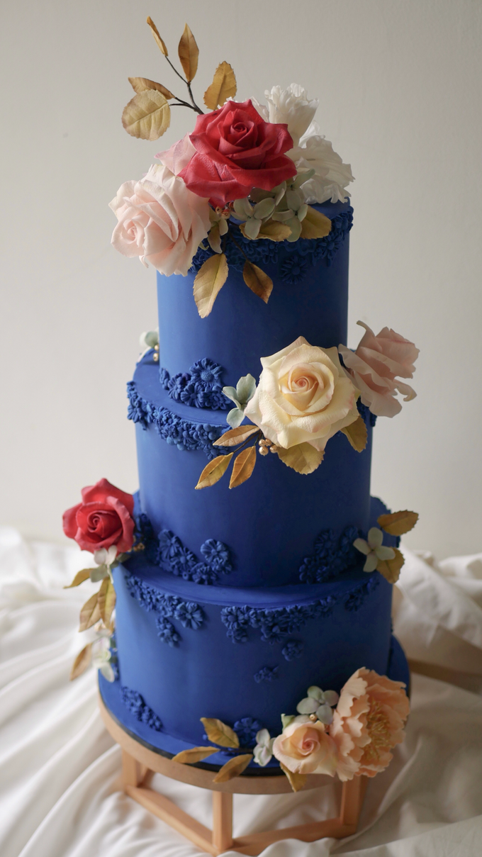 A royal blue affair by Twenty Two Cakes - 003
