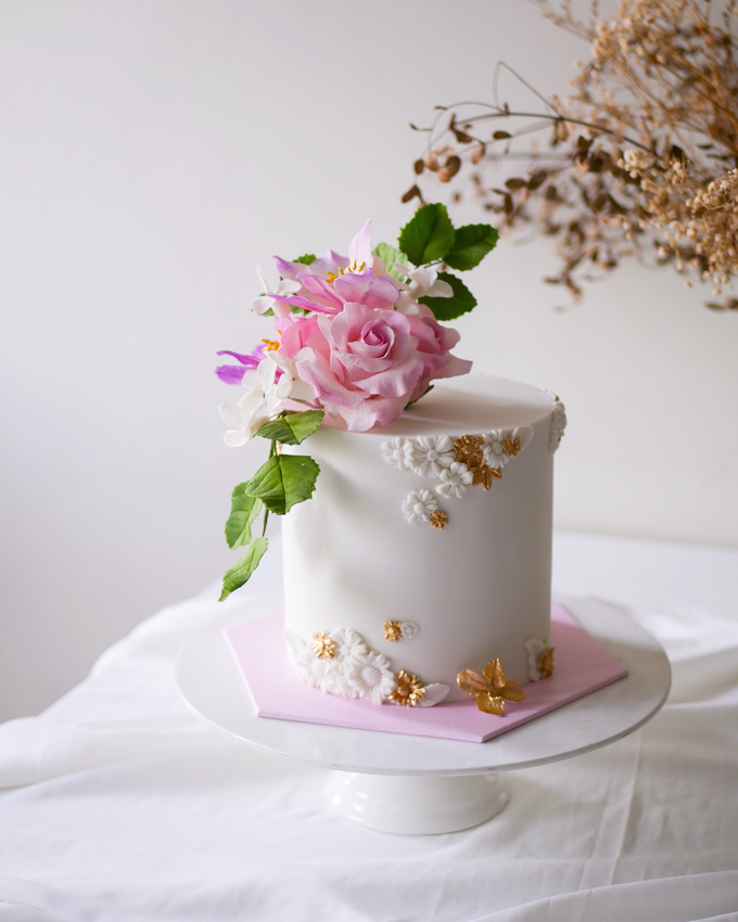 Single tier statement cakes by Twenty Two Cakes - 001