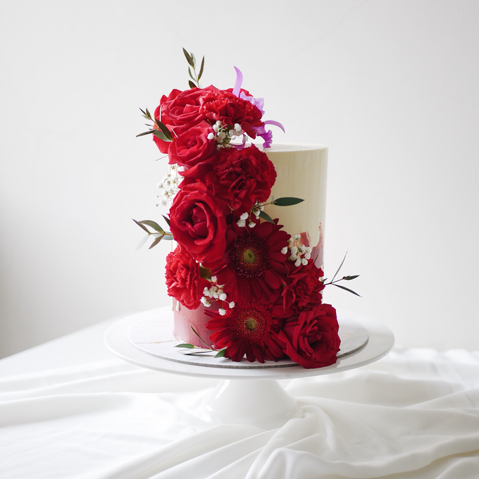 Single tier statement cakes by Twenty Two Cakes - 006