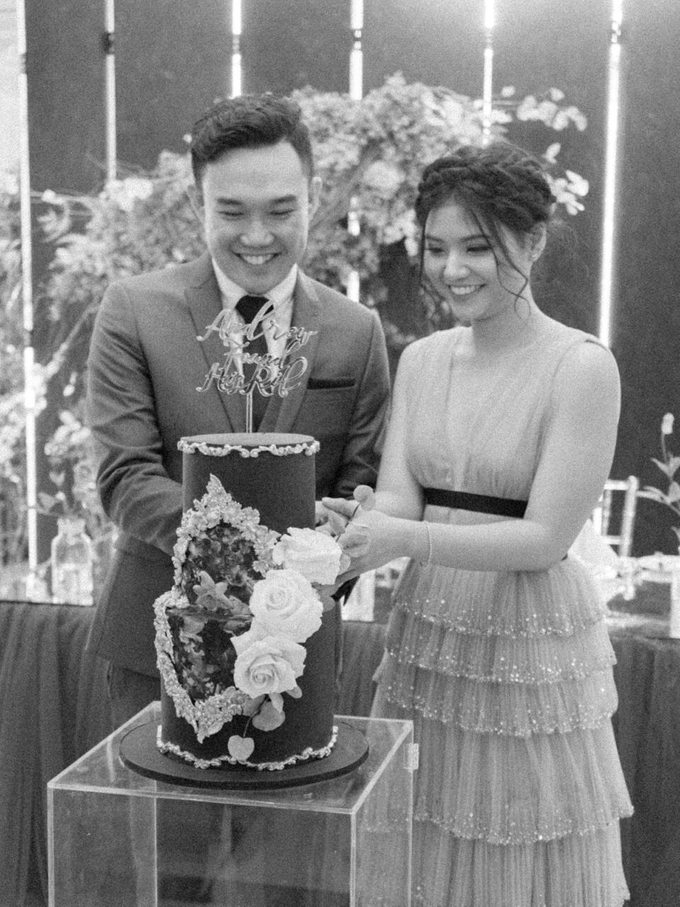 The engagement of Andrew and Ribka by Twenty Two Cakes - 005