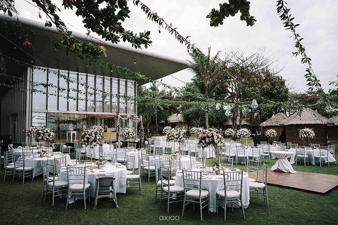 Beachfront Wedding at Sofitel Bali by WiB flowers - 008