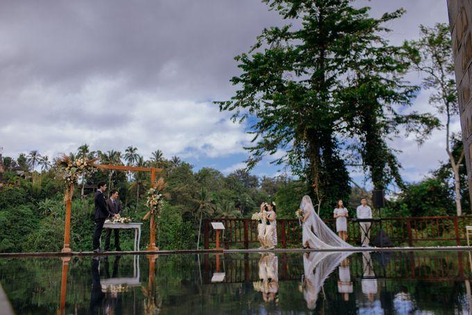 Ceremony at Hanging Garden by Bali Becik Wedding - 017