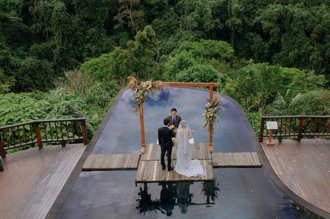 Ceremony at Hanging Garden by Bali Becik Wedding - 015