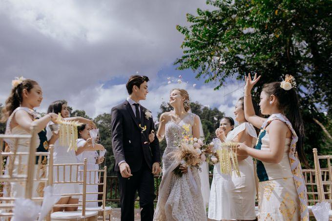 Ceremony at Hanging Garden by Bali Becik Wedding - 012