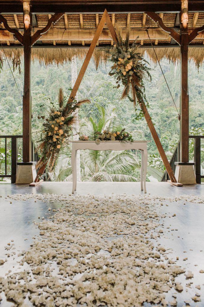 Ceremony at Hanging Garden by Bali Becik Wedding - 018