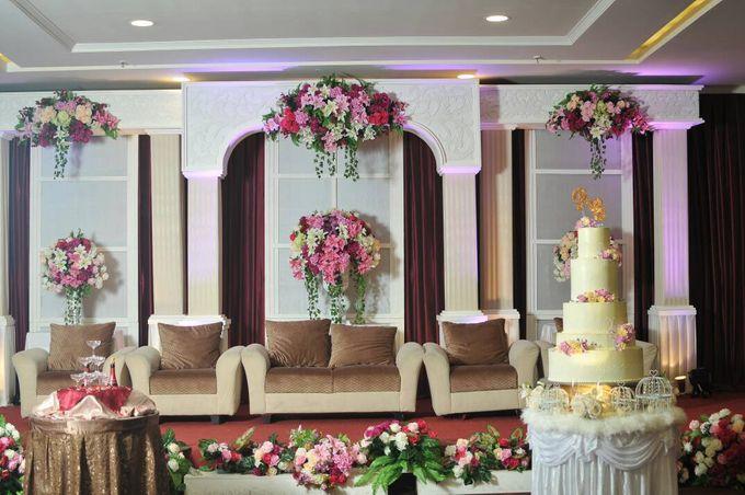 5 Tier Wedding Cake by Uci Bakery - 004