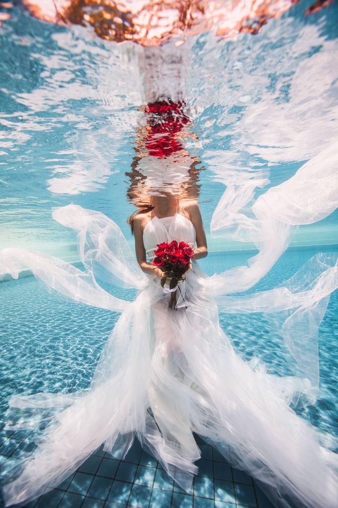 Pre Wedding & Honeymoon Underwater Photography by Drewperspectives - 001