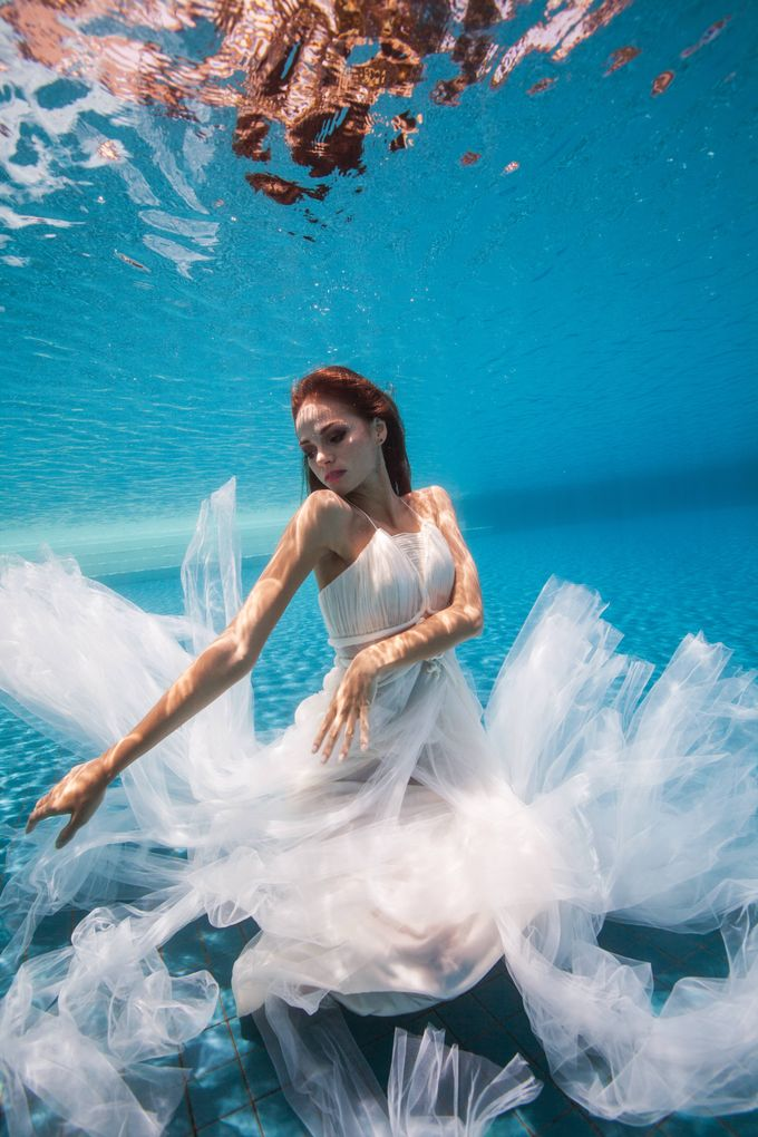 Pre Wedding & Honeymoon Underwater Photography by Drewperspectives - 005
