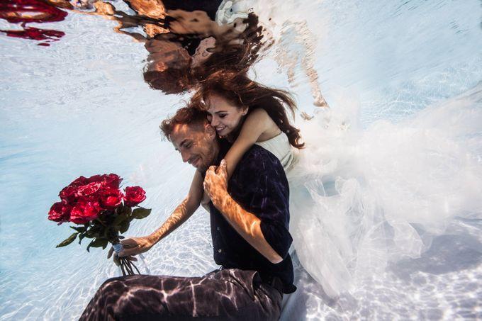 Pre Wedding & Honeymoon Underwater Photography by Drewperspectives - 007