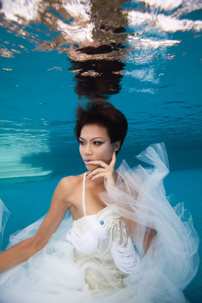 Pre Wedding & Honeymoon Underwater Photography by Drewperspectives - 012