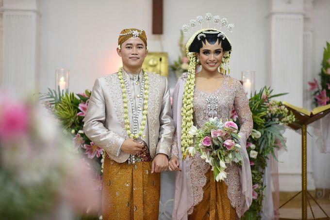 Ajeng&AGiie Wedding by Verakebaya - 001
