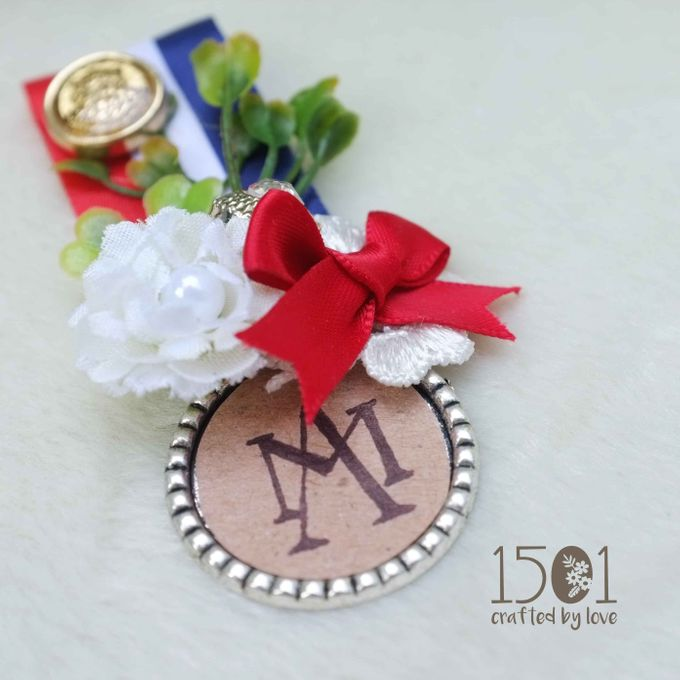 boutonnieres by 1501 - 009