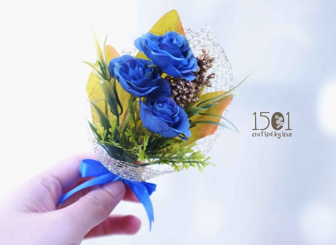 boutonnieres by 1501 - 008