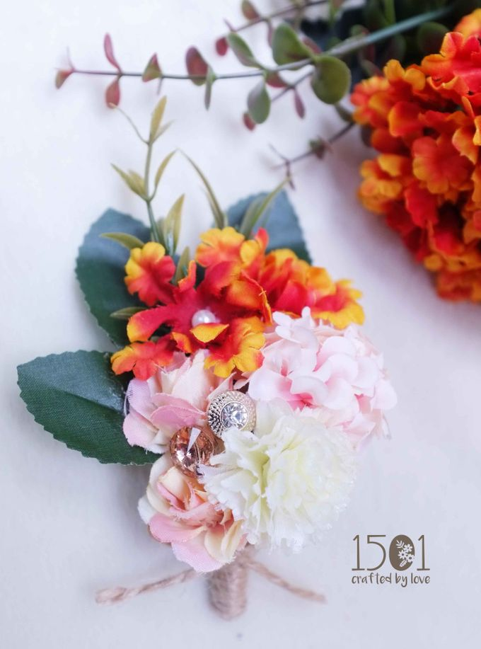 boutonnieres by 1501 - 006