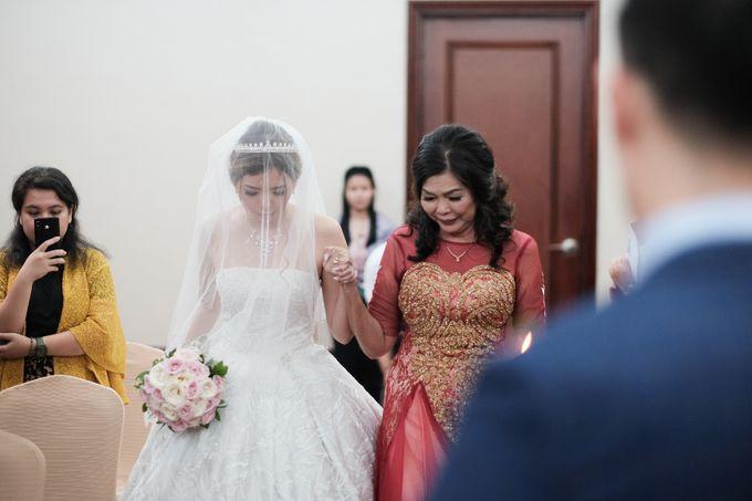 Wedding day of Shinta & Aldo by Michelle Bridal - 025