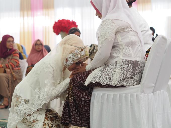 Dila & Arja Akad Nikah by UruliaYashinta Bride - 001