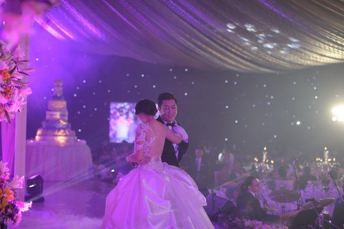 Autumn Theme Wedding Boy & Elisia at Empire 10th Floor  Surabaya by Diorama Tailor - 015