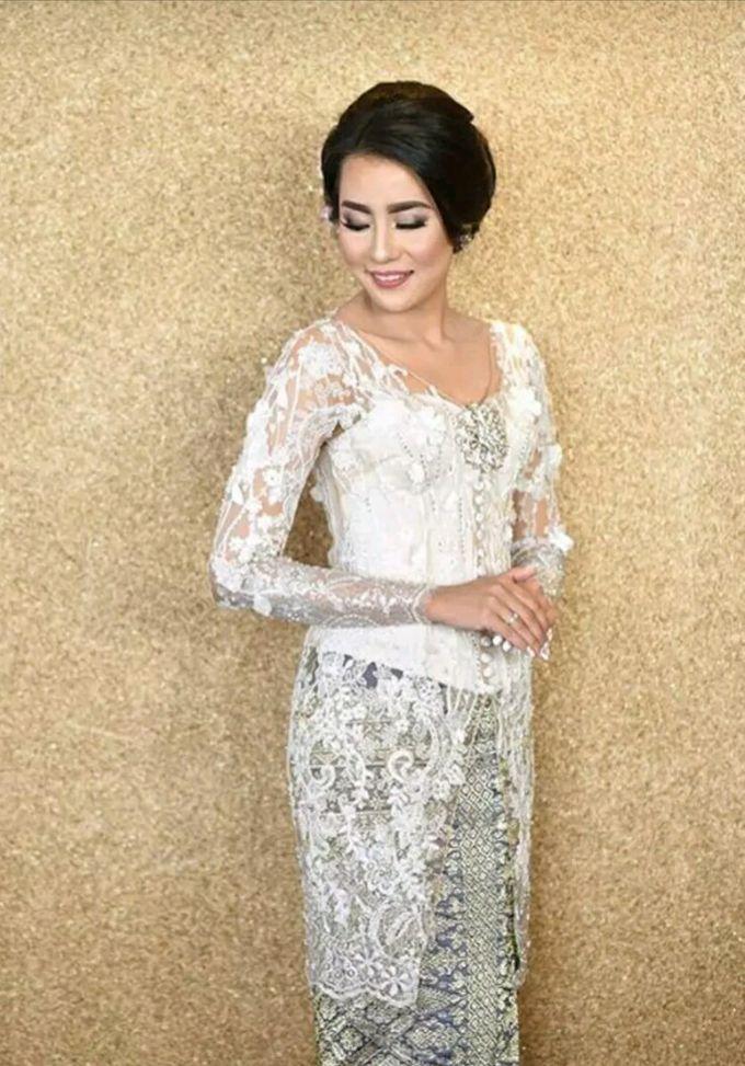 Arina & Therza Wedding Day by FANNY KARTIKA - 003