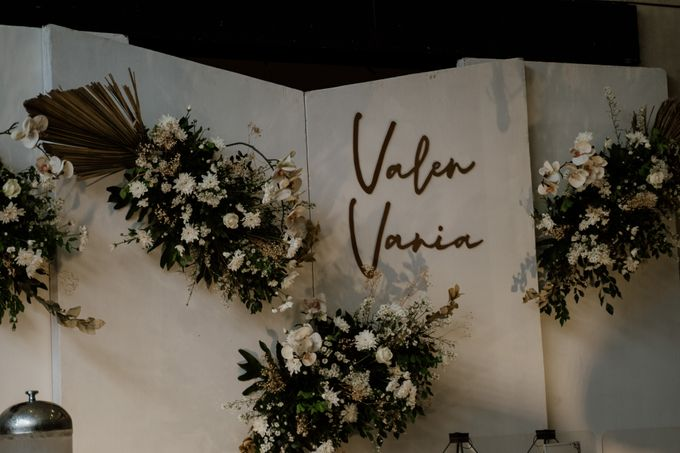 Vania & Valen Wedding by AKSA Creative - 008