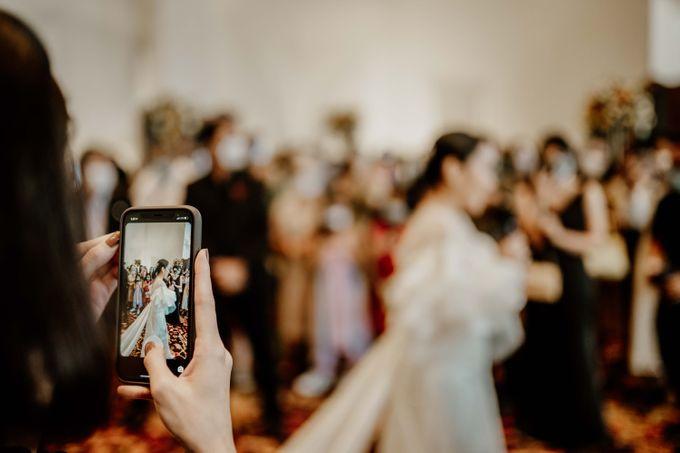 Vania & Kennan Wedding at Sampoerna Strategic by AKSA Creative - 048