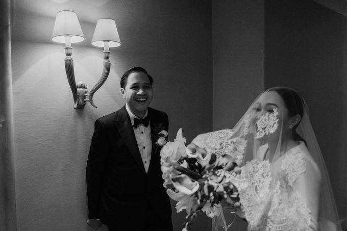 Vania & Kennan Wedding at Sampoerna Strategic by AKSA Creative - 039