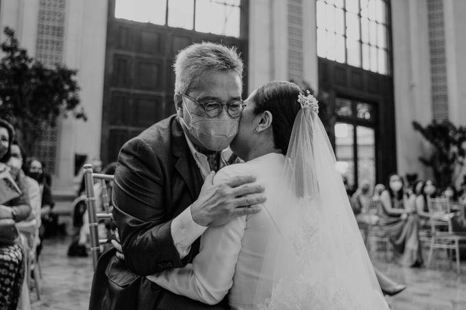 Vania & Kennan Wedding at Sampoerna Strategic by AKSA Creative - 025