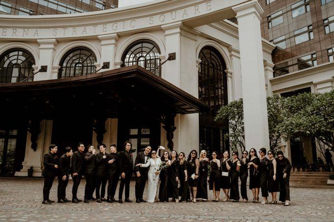 Vania & Kennan Wedding at Sampoerna Strategic by AKSA Creative - 019