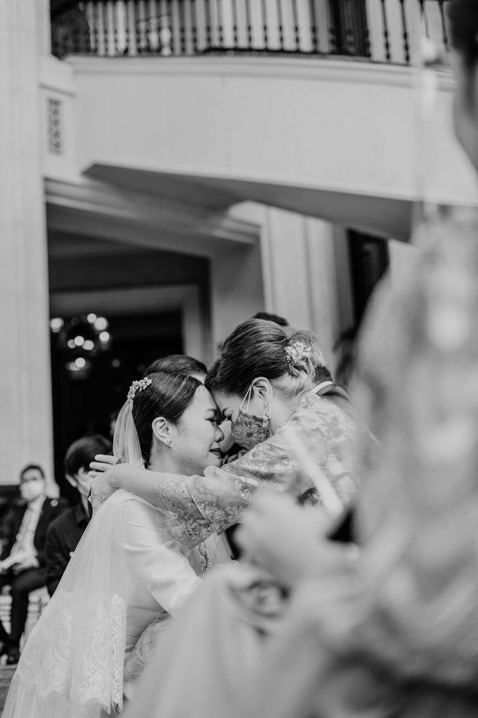Vania & Kennan Wedding at Sampoerna Strategic by AKSA Creative - 020