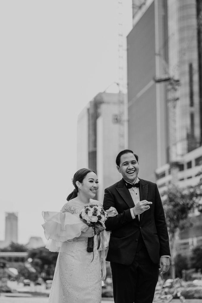 Vania & Kennan Wedding at Sampoerna Strategic by AKSA Creative - 002