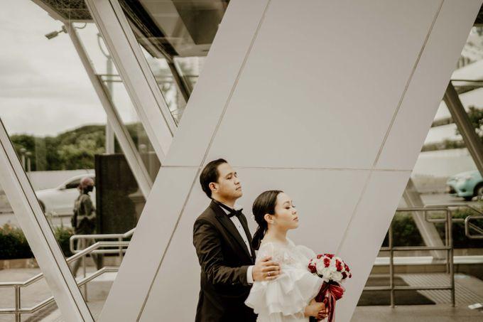 Vania & Kennan Wedding at Sampoerna Strategic by AKSA Creative - 012