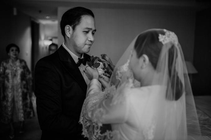 Vania & Kennan Wedding at Sampoerna Strategic by AKSA Creative - 038