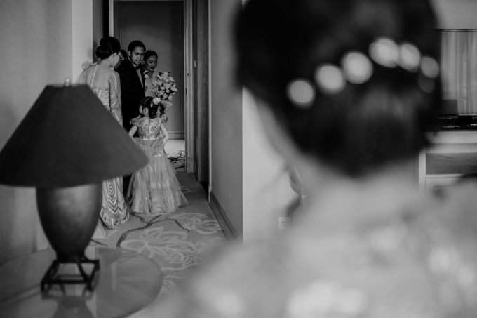 Vania & Kennan Wedding at Sampoerna Strategic by AKSA Creative - 034